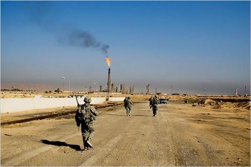 Iraq tấn công IS như vũ bão, tái chiếm nhà máy lọc dầu Baiji - anh 1