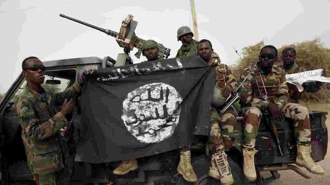 Thủ lĩnh Boko Haram chết thảm sau vụ đấu súng tại Nigeria - anh 2