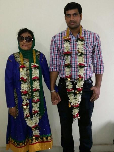 Sonali Mukherjee, từ cô gái bị tạt a-xit thành triệu phú truyền hình - anh 3