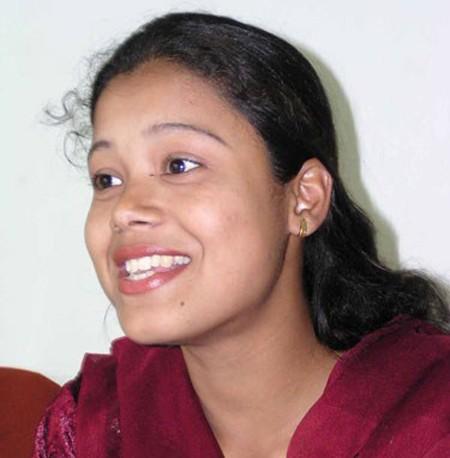 Sonali Mukherjee, từ cô gái bị tạt a-xit thành triệu phú truyền hình - anh 1