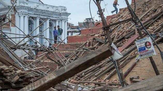 Toàn cảnh trận động đất kinh hoàng ở Nepal, hơn 6.000 người thương vong [Photos] - anh 7
