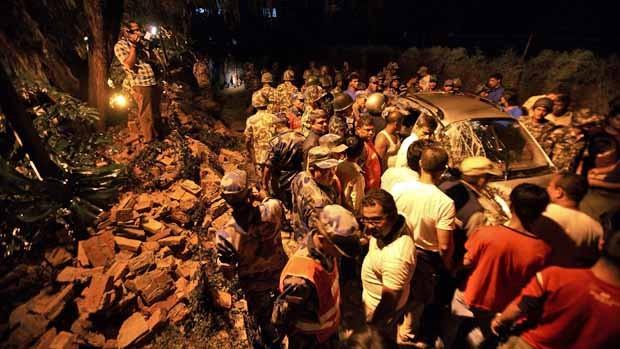 Gần 2.500 người chết sau động đất, Nepal chìm trong tang thương - anh 2