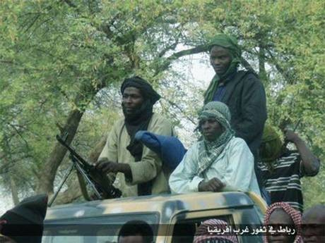 """Boko Haram đổi tên thành """"Nhà nước Hồi giáo Tây Phi"""" - anh 1"""