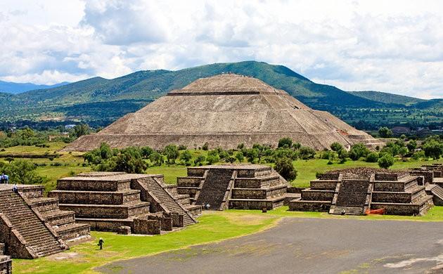 Khám phá bí mật dưới chân kim tự tháp bí ẩn nhất của người Maya - anh 1