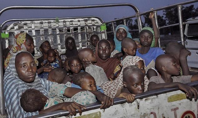 Boko Haram nghiền nát tù nhân bằng xe bọc thép - anh 2