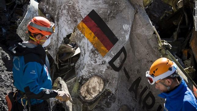 Tin mới nhất: Cơ phó Germanwings từng tập dượt hạ máy bay đột ngột - anh 2