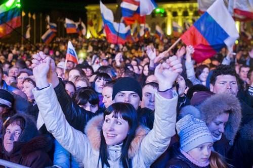 Ông Putin và chặng đường 15 năm thay đổi hoàn toàn 'con gấu' Nga - anh 2