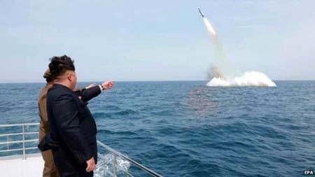 Ông Kim Jong-un: Vũ khí Triều Tiên thừa sức 'xoá sổ' mọi mối đe dọa từ bên ngoài - anh 1