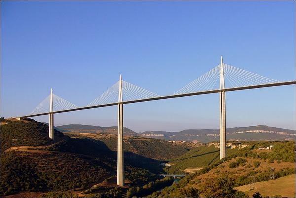 Những kỷ lục thú vị về các cây cầu trên thế giới - anh 1