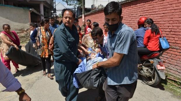 Nepal: Lại xảy ra động đất mạnh 7,4 độ richter, 16 người thương vong - anh 2