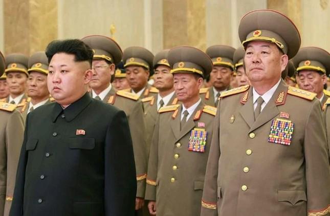 Triều Tiên xử tử Bộ trưởng Quốc phòng: Đâu là sự thật? - anh 1