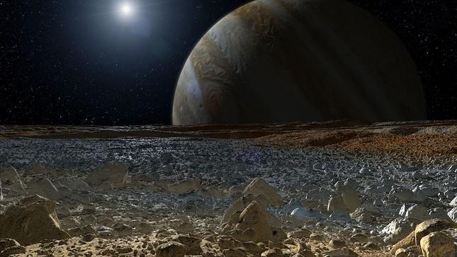 NASA: Vật chất tối bí ẩn trên mặt trăng Europa có thể là muối biển - anh 4