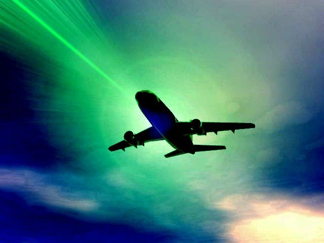 FBI: Tin tặc 'sa lưới' vì khoe 'cuỗm' máy bay bằng máy tính - anh 1