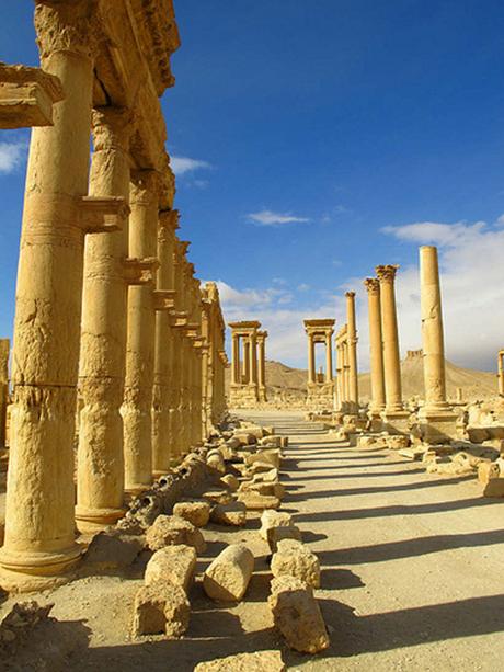 Khủng bố IS đánh bật quân đội Syria, chiếm thành cổ Palmyra 2.000 năm tuổi - anh 2