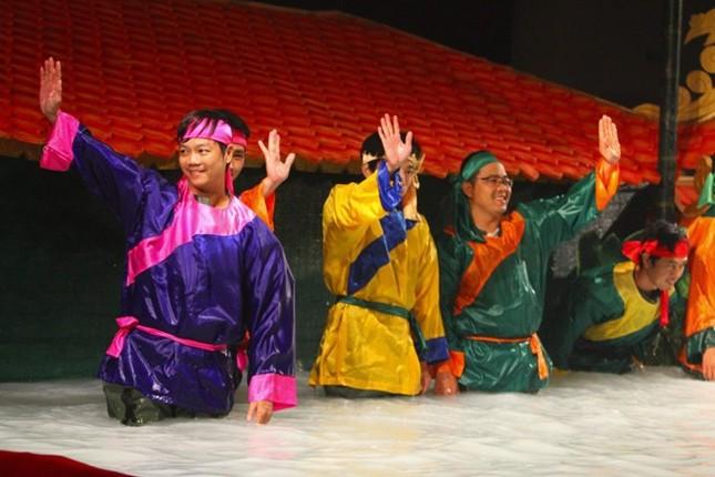 Tự hào nghệ sĩ múa rối nước trổ tài trên đất Mỹ - anh 10