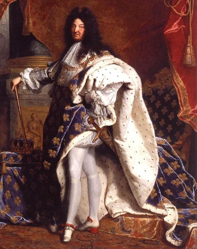 Những cái 'tật' lập dị của Louis XIV - Ông vua chỉ tắm 3 lần trong đời - anh 1