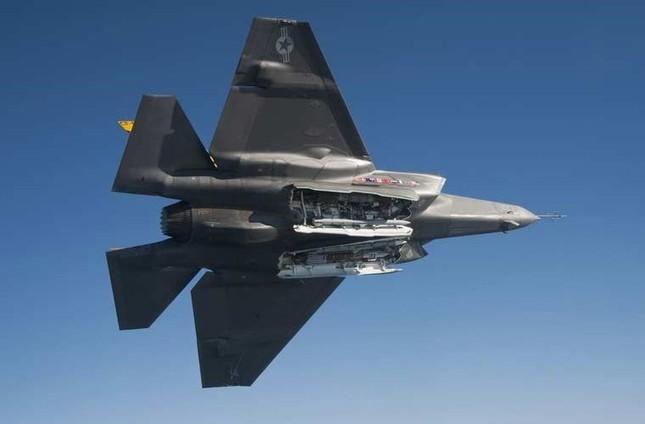 Không quân Mỹ trang bị siêu bom cho tiêm kích F-35 - anh 1