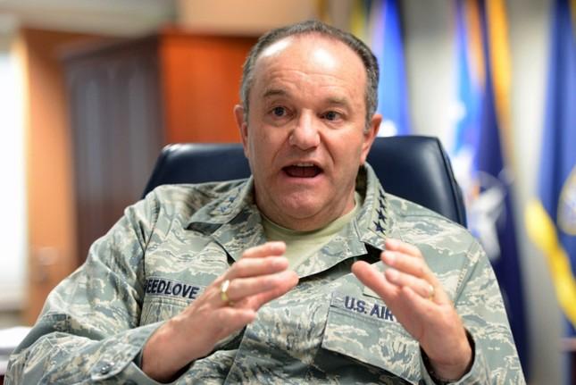NATO cáo buộc Nga triển khai vũ khí hạt nhân tại Đông Ukraine - anh 1