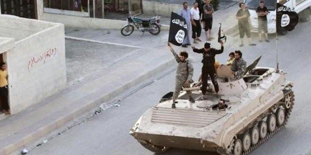 Khủng bố IS thảm sát 400 phụ nữ và trẻ em ở thành cổ Syria - anh 1