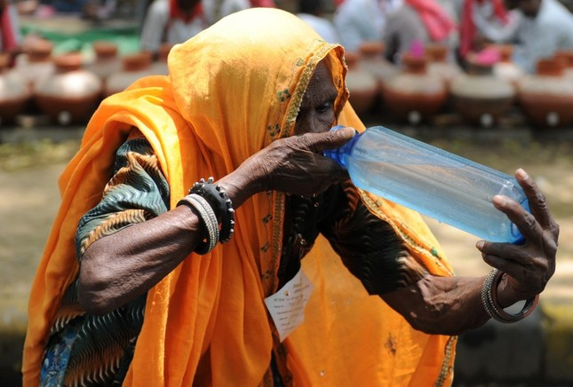 Ấn Độ: Số người chết vì nắng nóng 46 độ lên tới 223 người - anh 1
