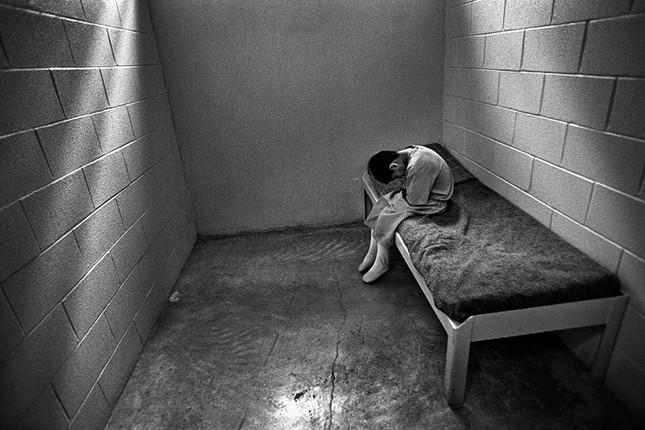 Biệt giam - Biện pháp tra tấn tâm lý khủng khiếp nhất lịch sử nhân loại - anh 1