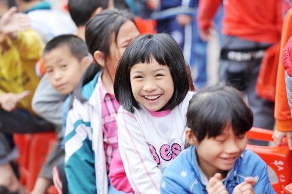 Ấm áp những nụ cười trẻ thơ Việt Nam - anh 11