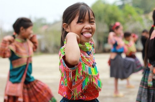 Ấm áp những nụ cười trẻ thơ Việt Nam - anh 13