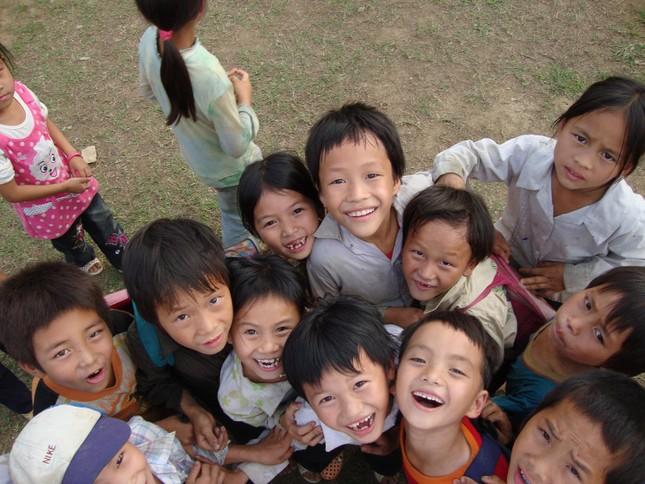 Ấm áp những nụ cười trẻ thơ Việt Nam - anh 16