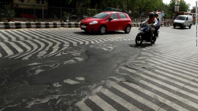 Ấn Độ: Nắng nóng giết chết 2.500 người, trung bình 2 người chết/giờ - anh 1