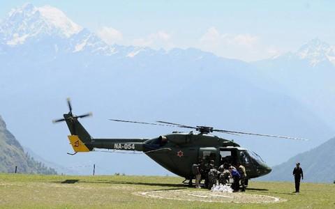Nepal: Trực thăng cứu hộ động đất rơi, 4 người chết - anh 1
