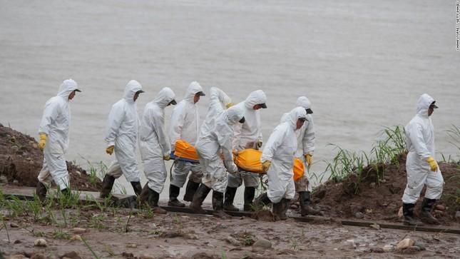 Báo Mỹ: Trung Quốc ém nhẹm vụ tàu chở 458 người bị chìm, nhiều nghi vấn xuất hiện? - anh 1