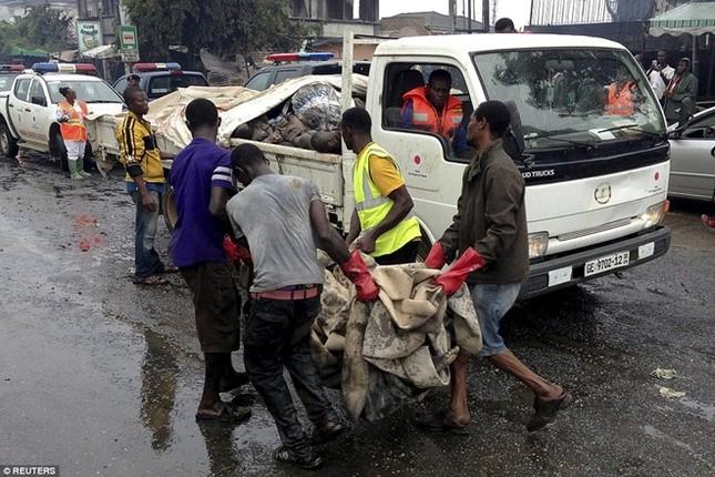 Ghana: Hơn 200 người chết vì nổ trạm xăng, chính phủ tổ chức quốc tang 3 ngày - anh 1