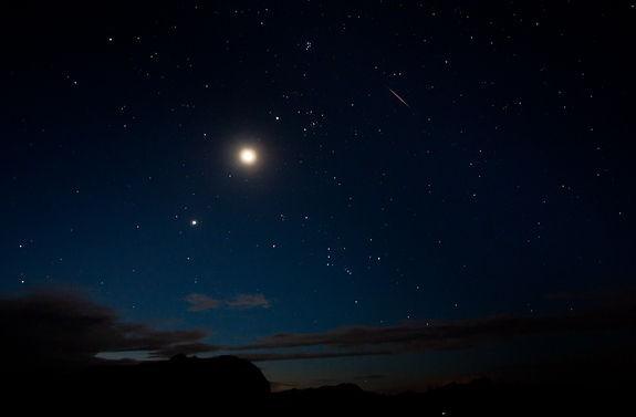 Thiên văn học: Chiêm ngưỡng Sao Kim rõ nhất ngày 7/6 - anh 1