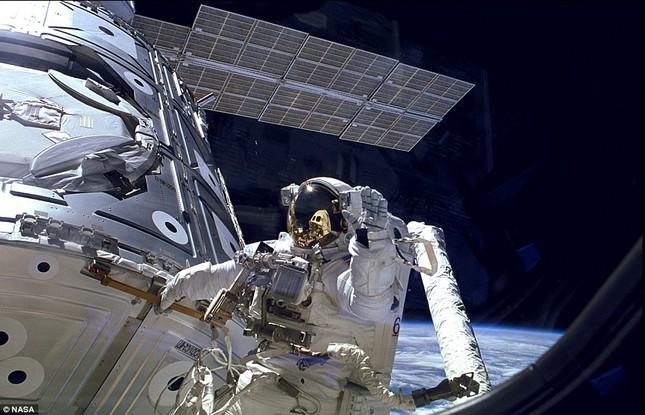 NASA kỷ niệm 50 năm ngày loài người bước chân ngoài vũ trụ [Photos] - anh 6