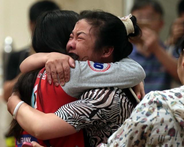 Vụ chìm tàu Trung Quốc: Hết hi vọng cứu người sống, chuyển sang thu gom hàng trăm thi thể còn lại - anh 1