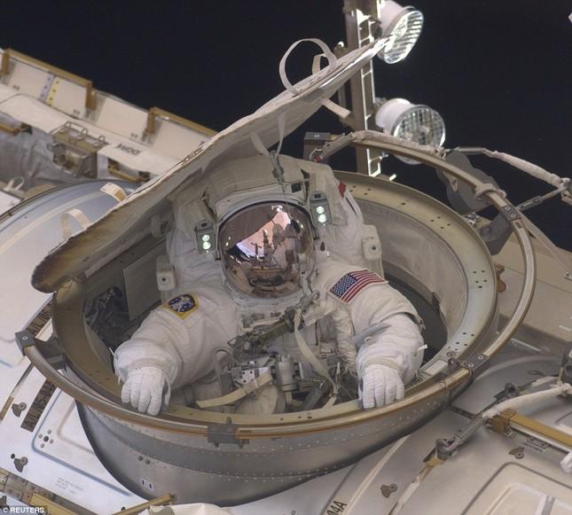 NASA kỷ niệm 50 năm ngày loài người bước chân ngoài vũ trụ [Photos] - anh 7