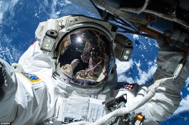 NASA kỷ niệm 50 năm ngày loài người bước chân ngoài vũ trụ [Photos] - anh 12