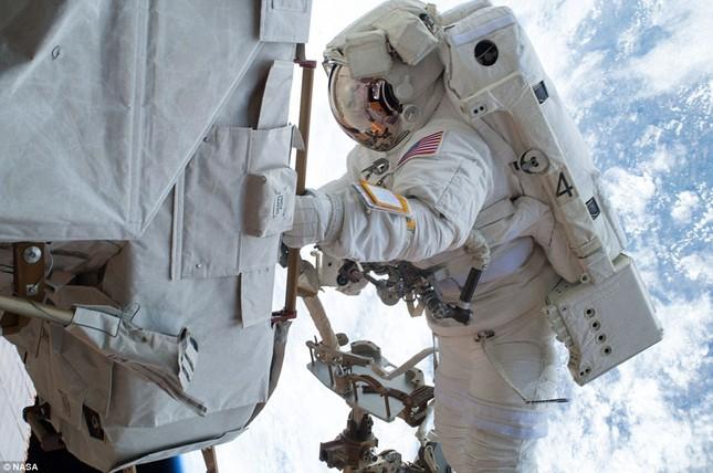 NASA kỷ niệm 50 năm ngày loài người bước chân ngoài vũ trụ [Photos] - anh 8