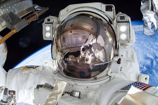 NASA kỷ niệm 50 năm ngày loài người bước chân ngoài vũ trụ [Photos] - anh 11