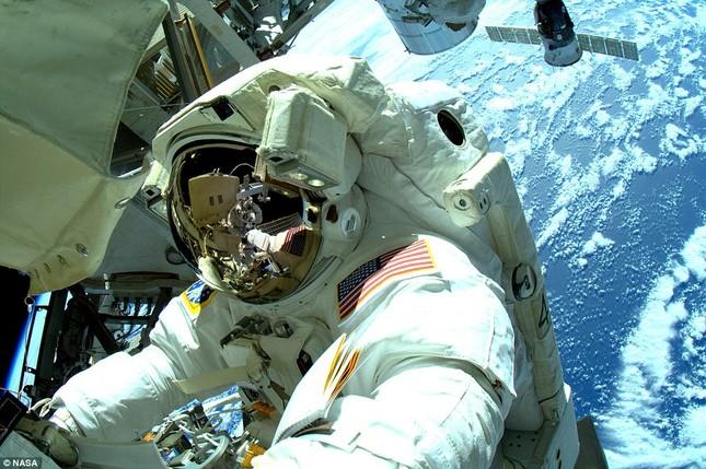 NASA kỷ niệm 50 năm ngày loài người bước chân ngoài vũ trụ [Photos] - anh 10