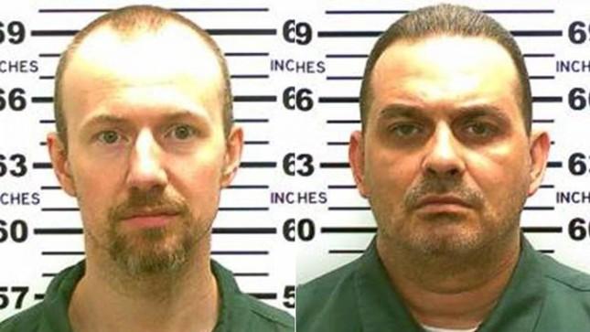 Mỹ treo thưởng 100.000 USD truy bắt 2 sát nhân vượt ngục - anh 1