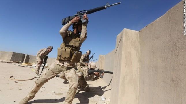 Khủng bố IS bị đánh đuổi không thương tiếc trước quân đội Iraq và Syria - anh 2