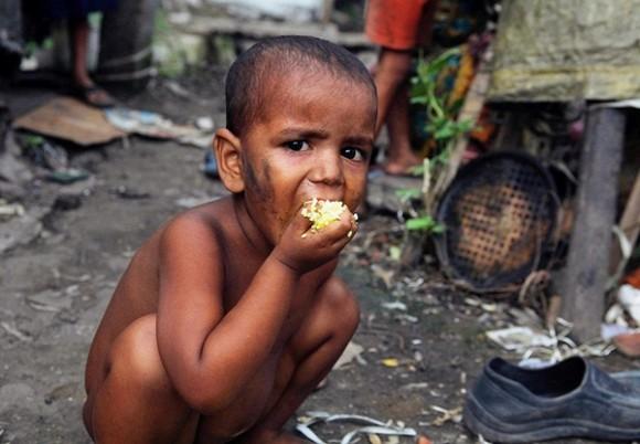 iFact Có thể bạn chưa biết: Những con số 'đáng báo động' về sự nghèo đói trên thế giới - anh 1