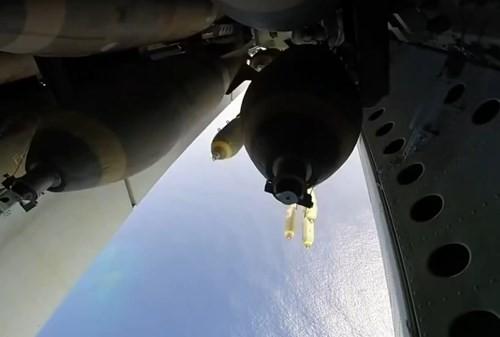 'Pháo đài bay' B52: Niềm kiêu hãnh của Không quân Mỹ - anh 4
