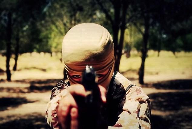 Thâm nhập trại huấn luyện phần tử khủng bố dành cho trẻ em của IS [Video] - anh 2