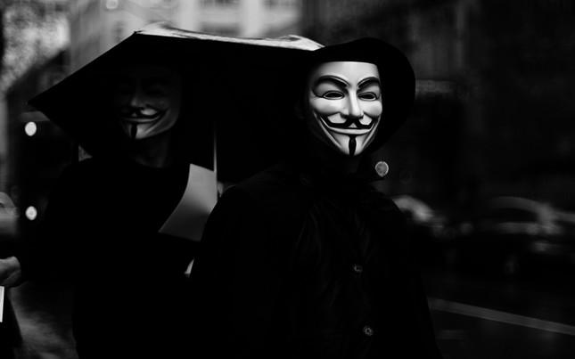 Câu chuyện chấn động lịch sử của chiếc Mặt nạ Guy Fawkes - anh 1
