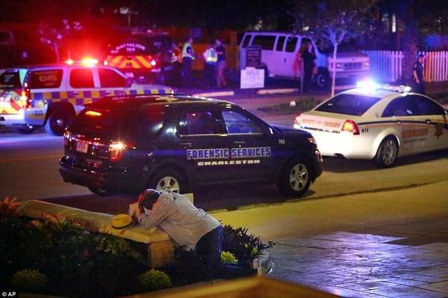 Toàn cảnh vụ xả súng điên cuồng tại nhà thờ Mỹ, 9 người chết - anh 3