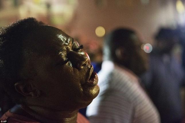 Toàn cảnh vụ xả súng điên cuồng tại nhà thờ Mỹ, 9 người chết - anh 5