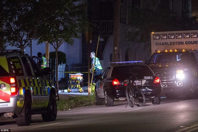 Toàn cảnh vụ xả súng điên cuồng tại nhà thờ Mỹ, 9 người chết - anh 9
