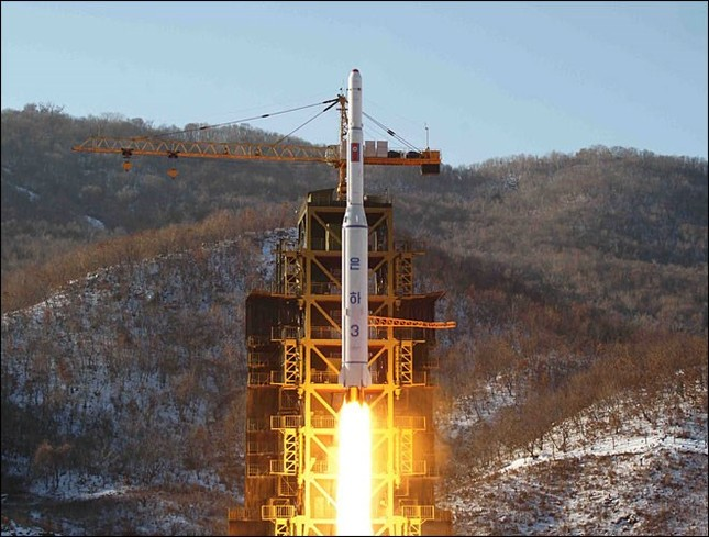 Mỹ: Triều Tiên nên từ bỏ ảo tưởng sở hữu vũ khí hạt nhân - anh 1